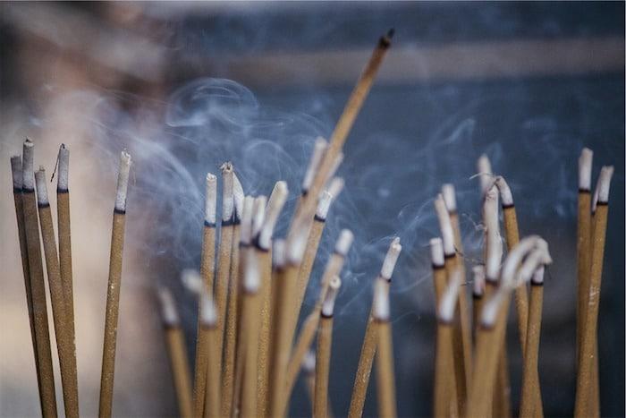encens bougies parfumées et pollution de l'air intérieur