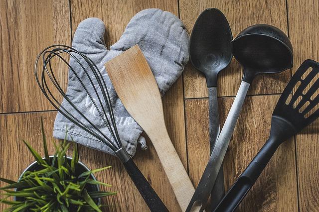 ustensile de cuisine en plastique danger